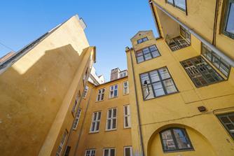 Larsbjørnsstræde, Middelalderbyen, København K